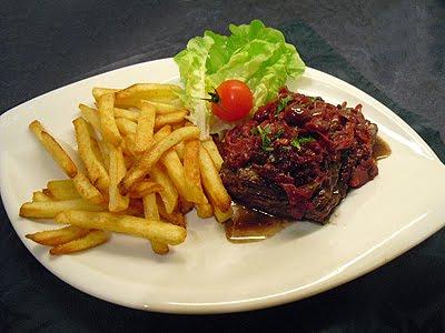 steaks au chutney de cerises la recette facile par toqu s 2 cuisine. Black Bedroom Furniture Sets. Home Design Ideas