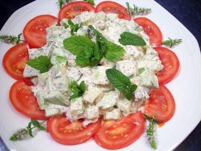 Salade de concombres la recette facile par toqu s 2 cuisine for Entree froides originales