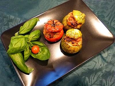 Courgettes et tomates farcies au poulet - La recette facile par Toqués 2 Cuisine