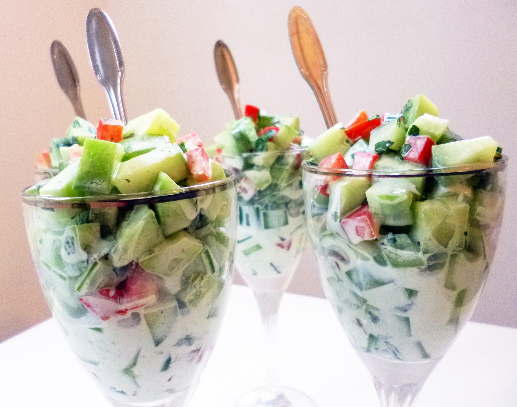Salade de concombres la recette facile par toqu s 2 cuisine for Entrees froides originales