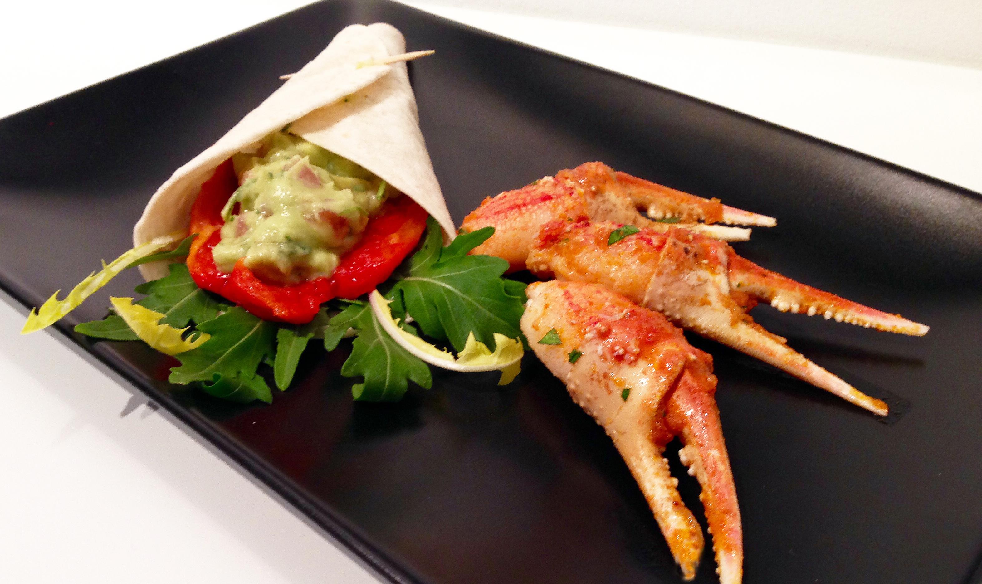 wraps aux avocats pinces de crabe satay la recette facile par toqu s 2 cuisine. Black Bedroom Furniture Sets. Home Design Ideas