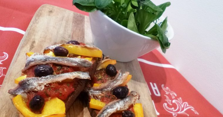 Crostinis tomate anchois