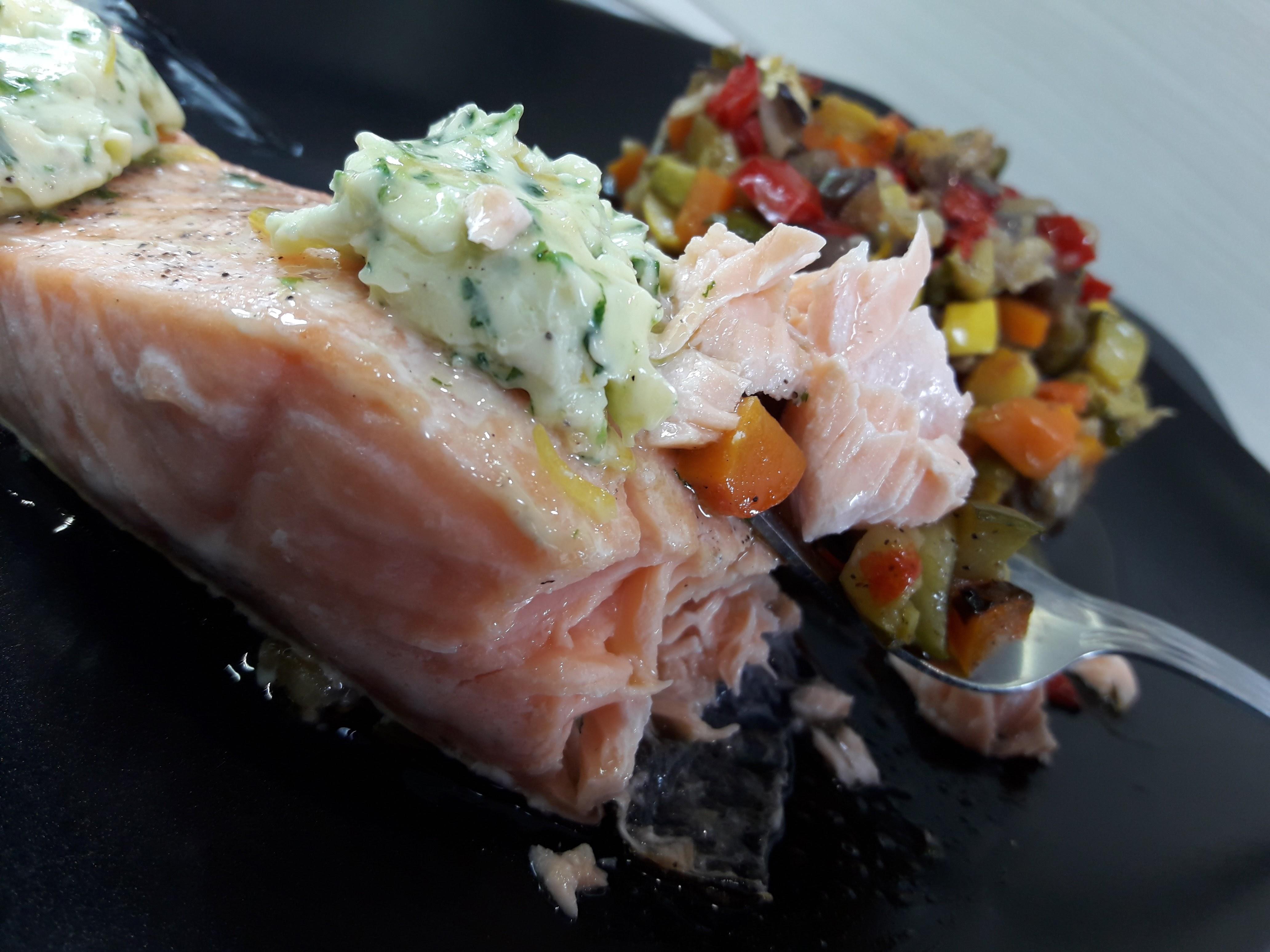 Pav s de saumon au beurre d 39 estragon la recette facile - Comment cuisiner des paves de saumon ...