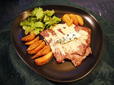 Steaks au roquefort