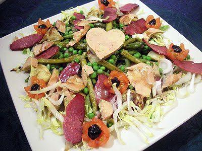 Salade gourmande au magret et foie gras