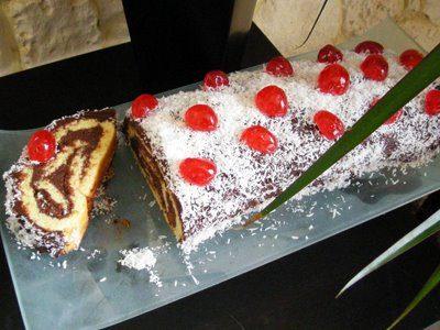Gâteau roulé chocolat noix de coco