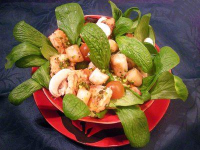 Salade tiède de saumon et St-Jacques