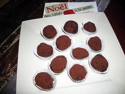 truffes au chocolat noir la recette facile par toqu s 2. Black Bedroom Furniture Sets. Home Design Ideas