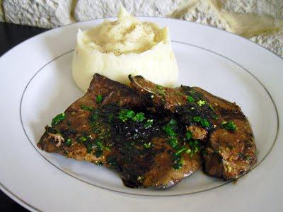 Foie d 39 agneau au vinaigre balsamique la recette facile - Comment cuisiner la cervelle d agneau ...