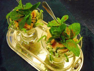 Salade d'avocats et saumon à la menthe