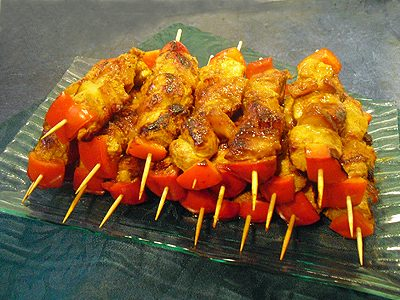 Brochettes de porc au curry et ananas