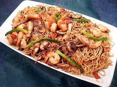 Nouilles chinoises au poulet et crevettes