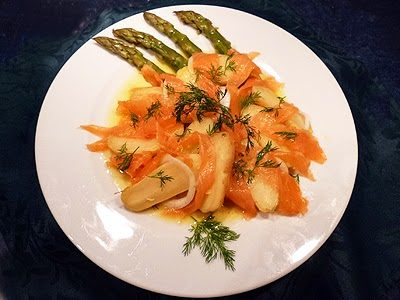 Salade parmentière aux asperges et saumon fumé
