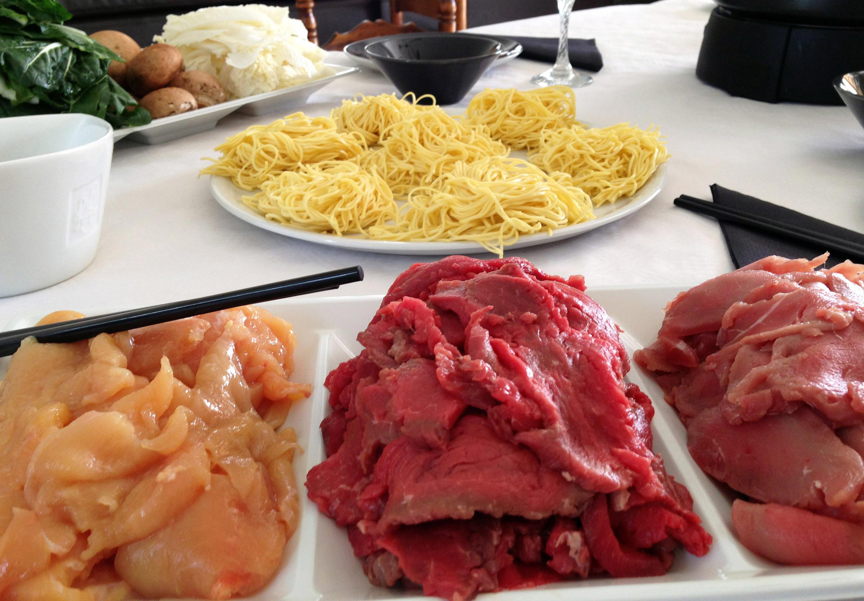 fondue japonaise la viande la recette facile par toqu s 2 cuisine. Black Bedroom Furniture Sets. Home Design Ideas