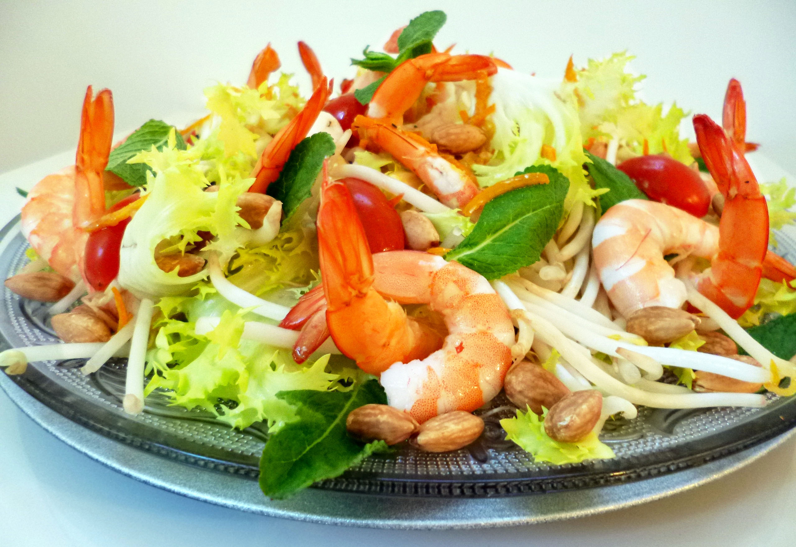 salade de crevettes au wasabi la recette facile par. Black Bedroom Furniture Sets. Home Design Ideas
