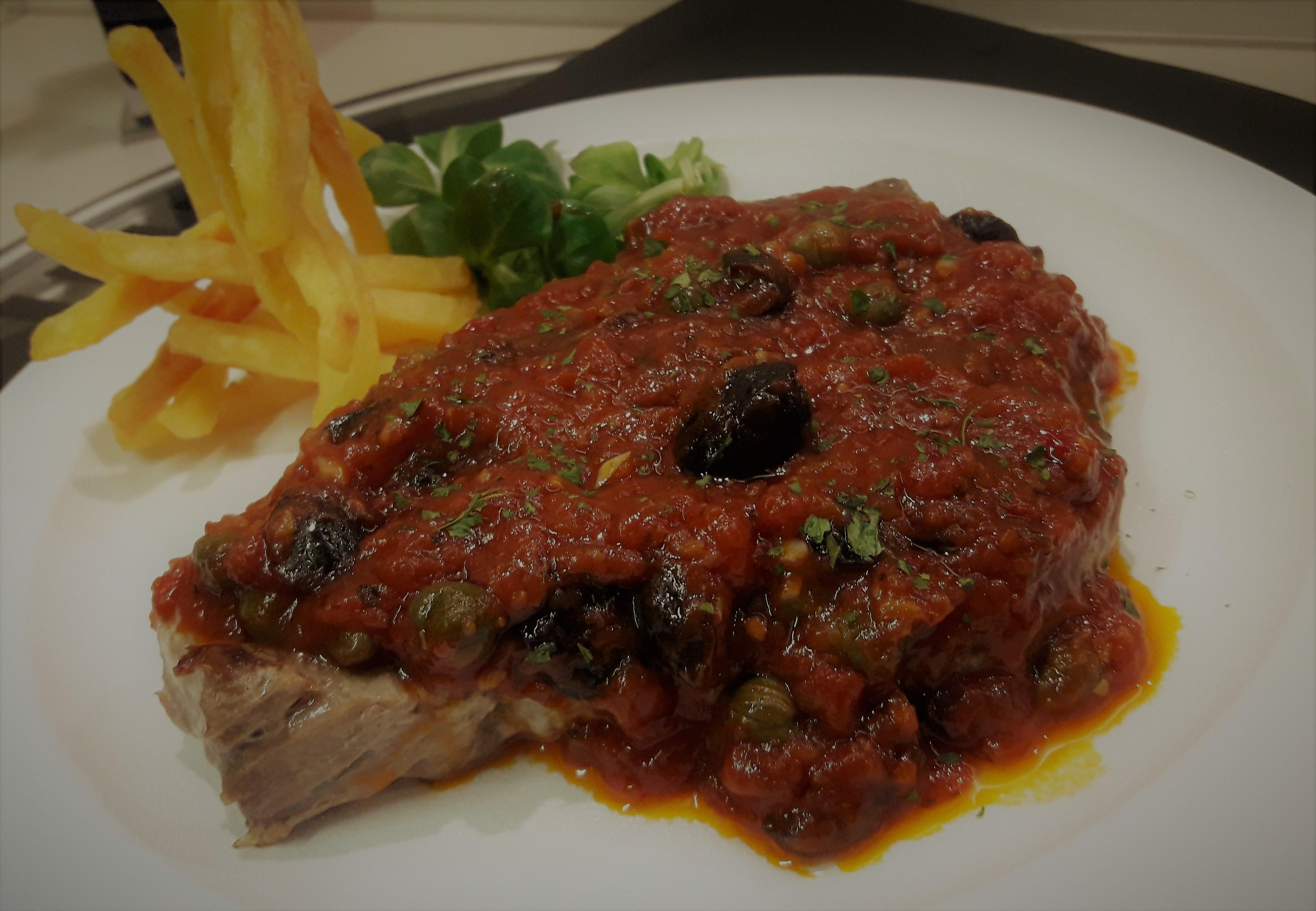 Steaks De Thon A La Puttanesca La Recette Facile Par Toques 2 Cuisine