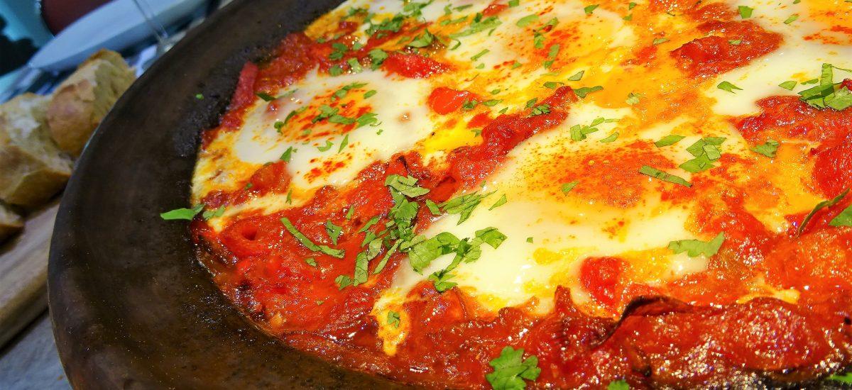 Tajine tomates poivrons et oeufs