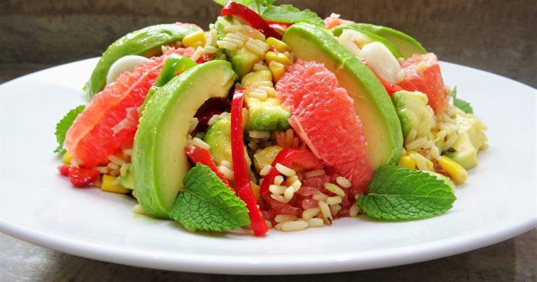 Salade de riz avocats pamplemousses