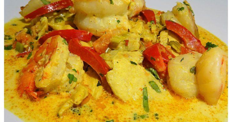 Curry de poulet aux crevettes et crème de coco